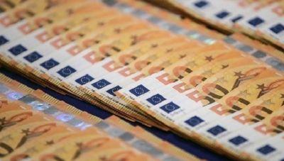 Νέο πακέτο μέτρων και τον Δεκέμβριο με επίδομα 800 ευρώ