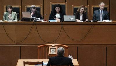 Καταδίκη Χρυσής Αυγής: Στη φυλακή η ηγετική ομάδα- Παραδόθηκε ο Κασιδιάρης