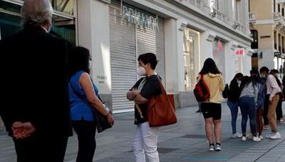 «Η Ισπανία ξανανοίγει τα σύνορά της αλλά παραμένει ευάλωτη»