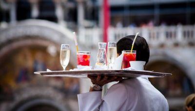 Εποχικοί εργαζόμενοι τουρισμού-επισιτισμού: Κλείνει η πλατφόρμα για την έκτακτη αποζημίωση