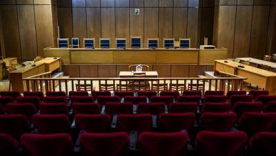 Ποιος πληρώνει το κόστος από τις... 48 αναβολές σε μια δικαστική υπόθεση