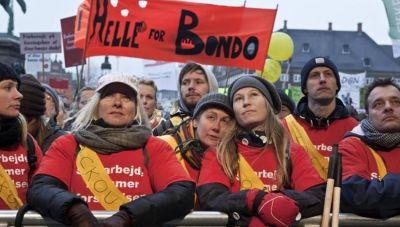 Οι Δανοί διαδηλώνουν κατά των περιοριστικών μέτρων