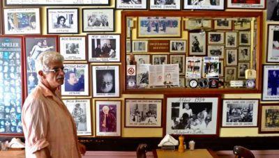 Ηράκλειο: Ενας καφενές, πραγματικο μουσείο με χιλιάδες ιστορικές φωτογραφίες! (φωτογραφίες)