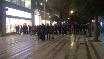 Το λαϊκό «προσκύνημα» στα καταστήματα του Ηρακλείου- Τεράστιες ουρές! (φωτογραφίες)