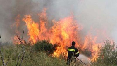 Ηράκλειο: Σε εξέλιξη φωτιάστην ενδοχώρα- Επί τόπου ισχυρές δυνάμεις της Πυροσβεστικής