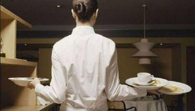 Στη Βουλή τα προβλήματα των εργαζομένων σε τουρισμό και επισιτισμό
