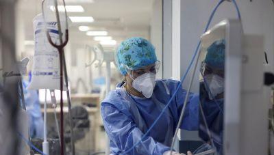 Κρήτη: Σταθερός αλλά διόλου ευκαταφρόνητος ο αριθμός των νοσηλειών COVID-19 στα νοσοκομεία