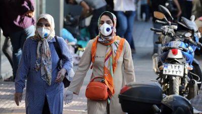 Ιράν: Λουκέτο σε δημόσιες υπηρεσίες και τράπεζες λόγω κορωνοϊού