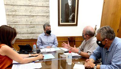 Συνάντηση εργασίας της Περιφέρειας Κρήτης και του Ινστιτούτου Φυσικής Εσωτερικού της Γης και Γεωκαταστροφών