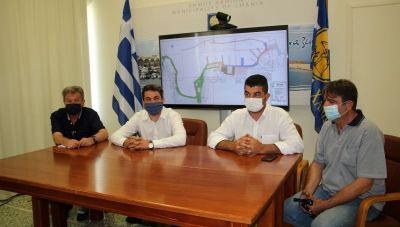 Δήμος Χανίων: Παρουσιάστηκε η μελέτη για την αποκατάσταση της πλακόστρωσης στο Ενετικό Λιμάνι