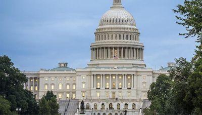 ΗΠΑ: Η κυβέρνηση δεσμεύεται ότι δεν θα κινεί νομικές διαδικασίες για να μαθαίνει τις πηγές πληροφοριών δημοσιογράφων