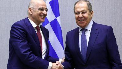 Κοινές δηλώσεις Δένδια και Λαβρόφ: Η Ελλάδα θέλει την εξομάλυνση των σχέσεων ΕΕ και Ρωσίας