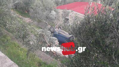 Κρήτη: Το αυτοκίνητο πέταξε στο...κενό και κατέληξε μέσα σε σπίτια και λιόφυτα (φωτογραφίες)
