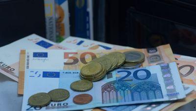 ΟΑΕΔ: Εποχικό βοήθημα – Ποιοι δικαιούνται έως 1.016 ευρώ