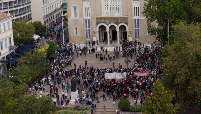 Μίκης Θεοδωράκης: Αρχίζει η μεταφορά προς τα Χανιά - Αύριο η κηδεία