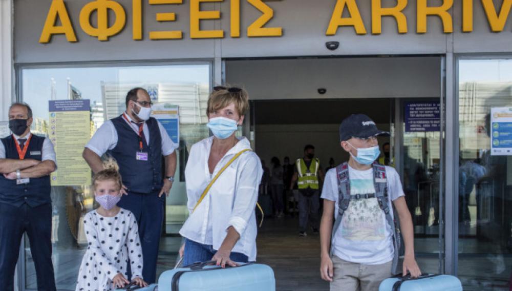 Πάνω από 4.000 έλεγχοι στην πρεμιέρα για τον Τουρισμό