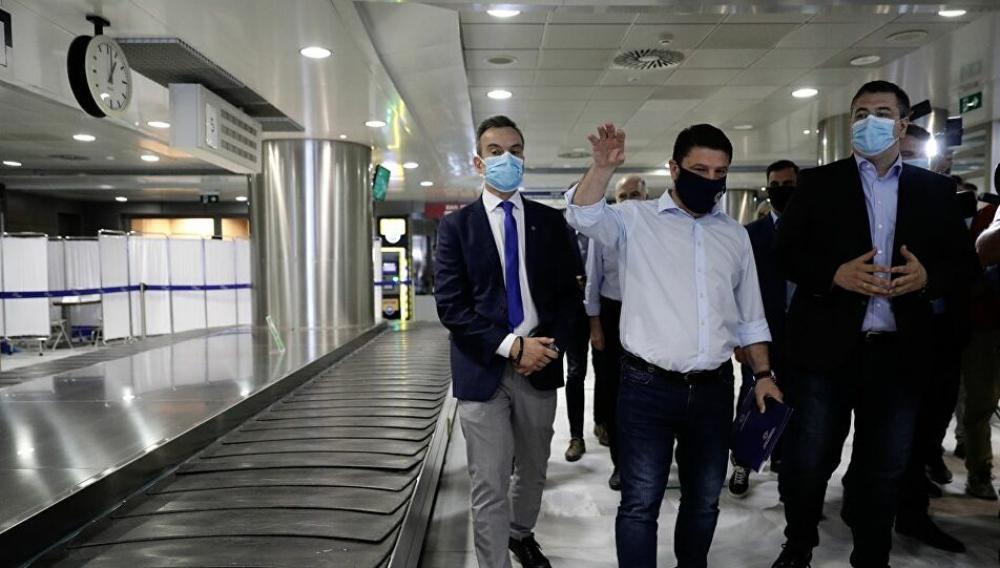 Στην Κρήτη ο Χαρδαλιάς - Τι ανακοίνωσε για τα τεστ κορωνοιου στα αεροδρόμια
