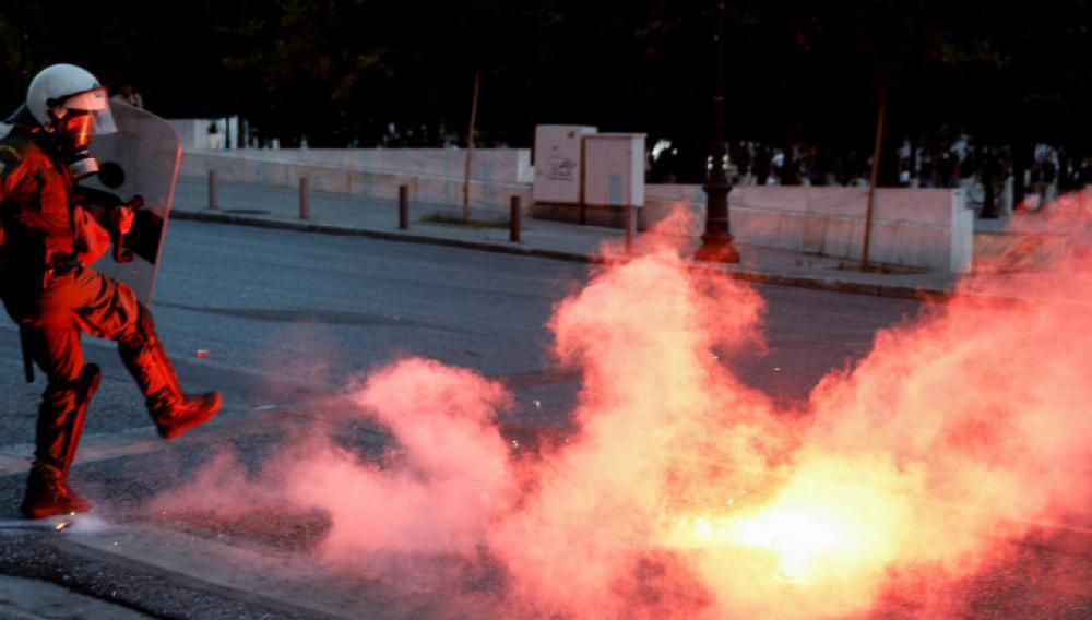 Νέα ένταση στο κέντρο της Αθήνας μετά την πορεία για τον Τζορτζ Φλόιντ