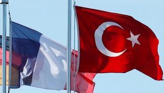 «Πόλεμος» Γαλλίας - Τουρκίας με φόντο το... επεισόδιο στη Μεσόγειο