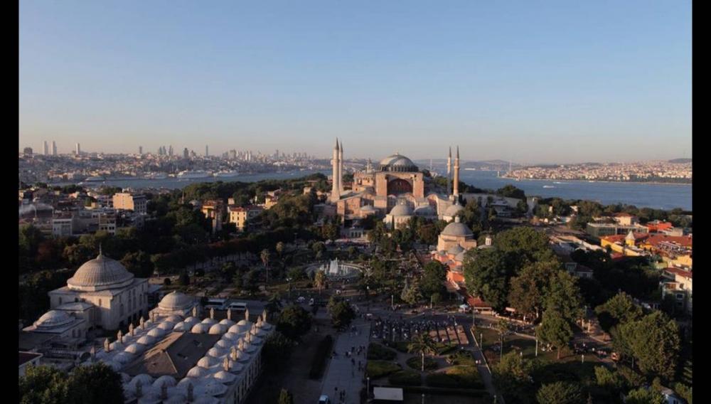 Ναός και όχι τζαμί, Κωνσταντινούπολις και όχι Ισταμπούλ