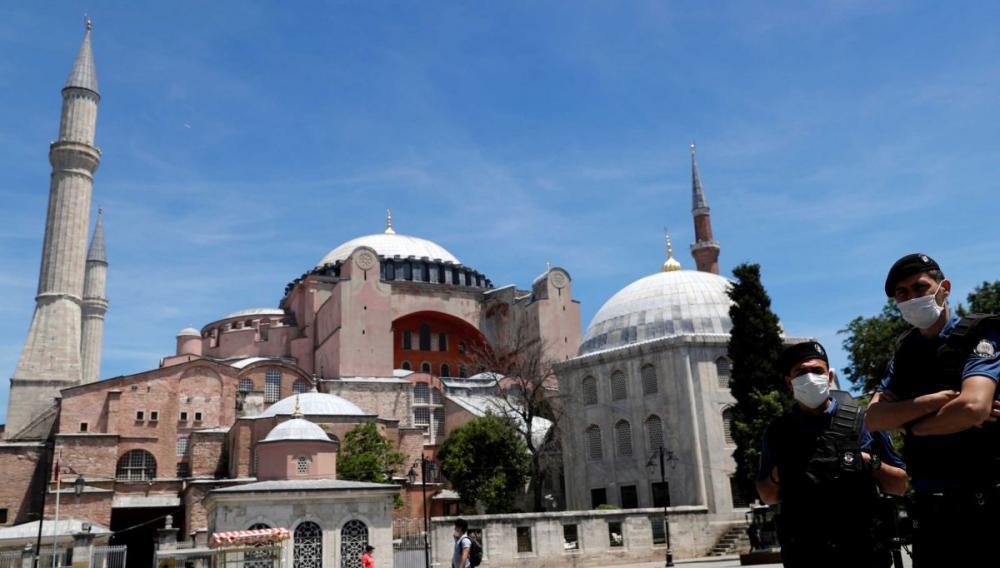 «Το 73% των Τούρκων θέλει η Αγιά Σοφιά να γίνει τζαμί»