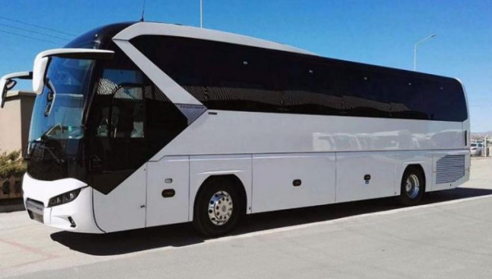 Αφήνουν το... βολάν οι οδηγοί τουριστικών λεωφορείων