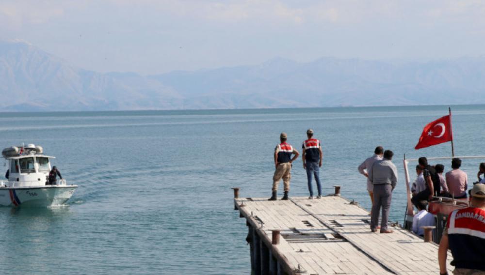 Τουρκία: Στους 54 έφτασαν οι νεκροί από βύθιση πλοιαρίου σε λίμνη