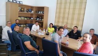 Συνάντηση με τους εκπροσώπους των σωματείων ταξί