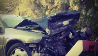 Κρήτη: Το αυτοκίνητο μετά το τροχαίο...πέταξε στις καλαμιές! (φωτογραφίες)