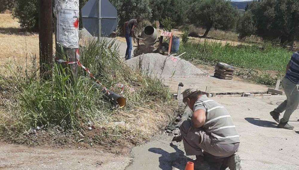 Σε εξέλιξη η κατασκευή τμημάτων δικτύων ομβρίων υδάτων σε Ασήμι, Απομαρμά και Πλάτανο