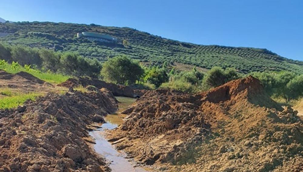 Θέμα newshub.gr: Χωρίς νερό περιοχές στο Αρκαλοχώρι, λογω εργασιών για το νέο αεροδρόμιο (φωτογραφίες)