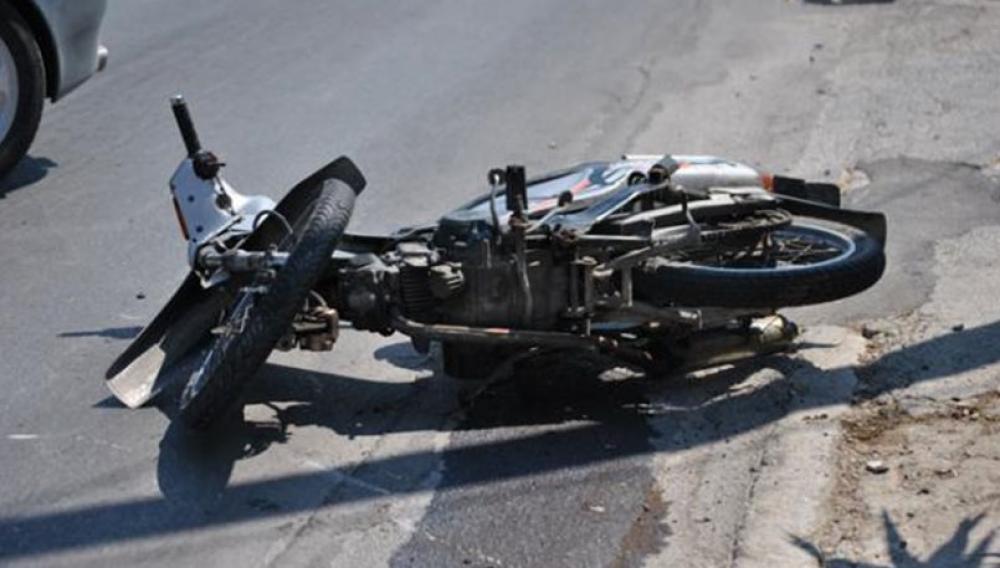 Κρήτη: Μηχανή «καρφώθηκε» σε αυτοκίνητο!