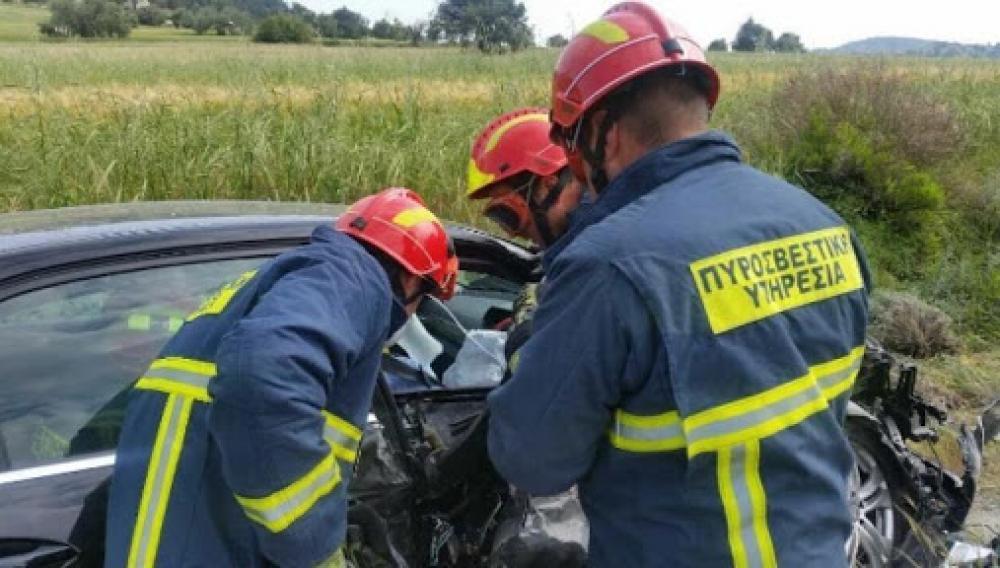 Κρήτη: Χρειάστηκαν 6 πυροσβέστες και 3 οχήματα για να απεγκλωβιστεί από τα συντρίμμια