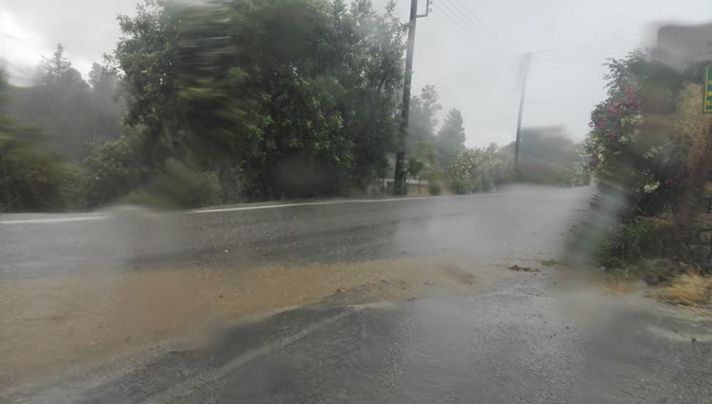 «Ανοιξαν» οι ουρανοί στο Ηράκλειο: Οι περιοχές που επλήγησαν - Ο καιρός αύριο (βίντεο-φωτο-πίνακας)