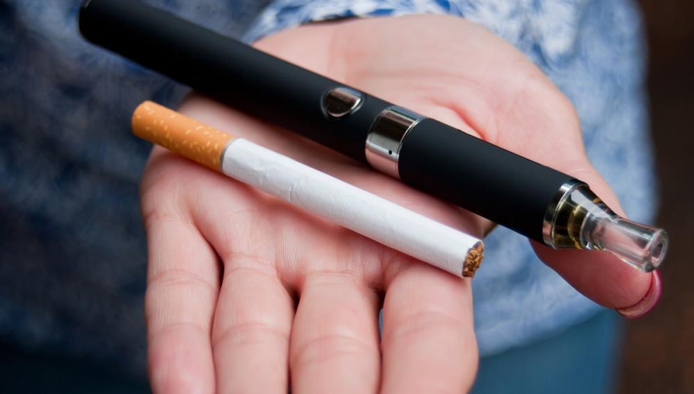 Το ηλεκτρονικό τσιγάρο αυξάνει τον κίνδυνο περιοδοντίτιδας;