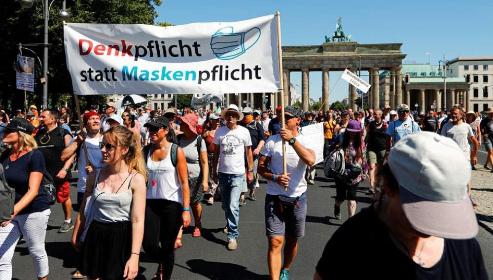 Κορωνοϊός: Μαζικές διαδηλώσεις στο Βερολίνο κατά των μέτρων προστασίας
