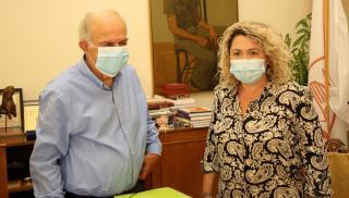 Δήμαρχος Ηρακλείου: «Φοράμε μάσκα για να προστατέψουμε τον εαυτό μας και τους άλλους»