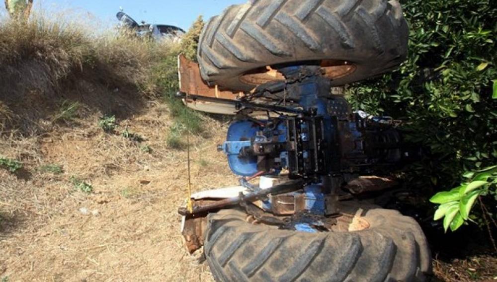 Σοβαρός τραυματισμός αγρότη από τρακτέρ στη Μεσαρά