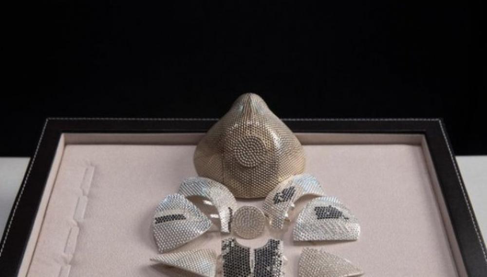 Η χρυσή μάσκα κορωνοϊού αξίας 1.500.000 δολλαρίων