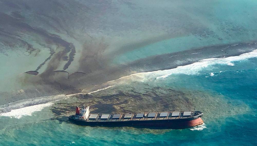 Μαυρίκιος: Φόβοι για τεράστια οικολογική καταστροφή