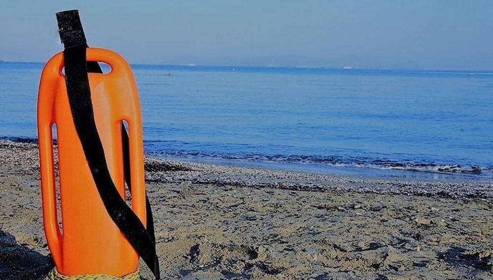 «Από μηχανής θεοί» δύο ναυαγοσώστες σε παραλίες των Μαλίων