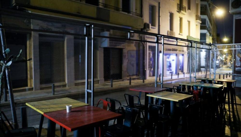 Κορωνοϊός : Όλα τα νέα μέτρα που τίθενται σε ισχύ από σημερα – Τι ώρα θα κλείνουν μπαρ και εστιατόρια