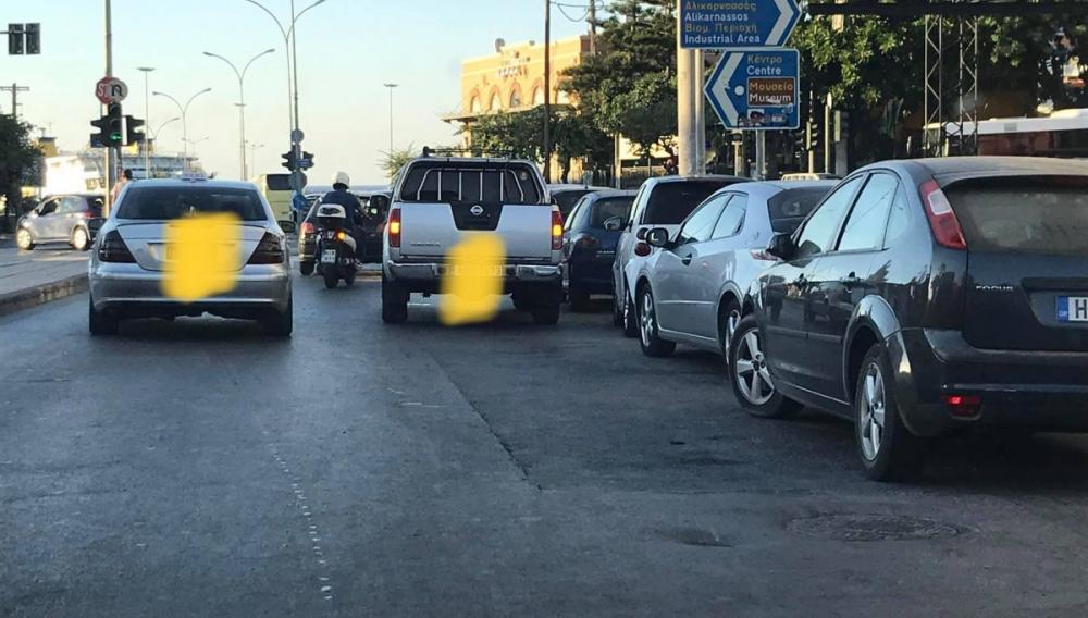 Ηράκλειο: Έβαλε τα «αλάρμ» και έκλεισε το δρόμο!
