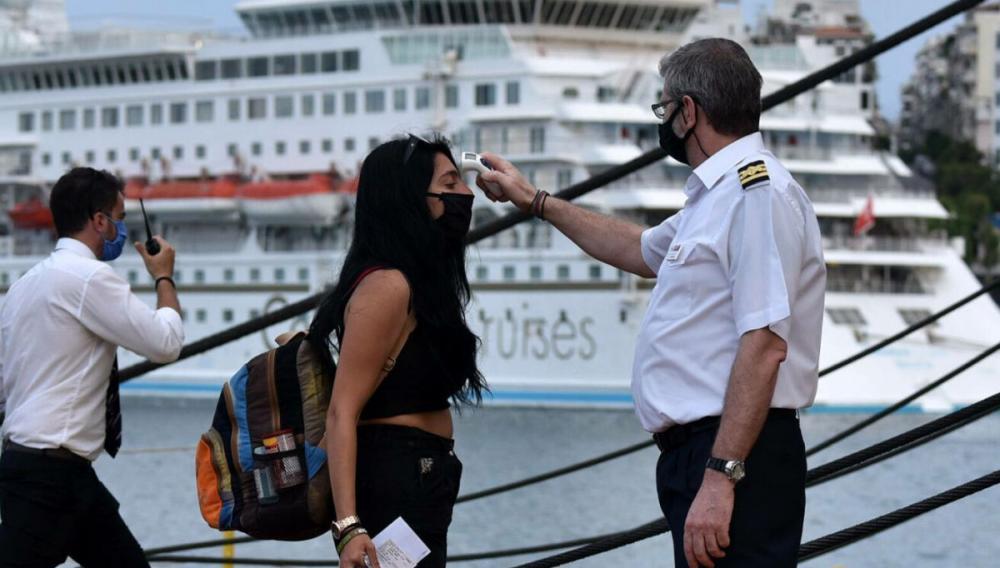 Κορωνοϊός: Πήγαμε διακοπές στην Κρήτη και γυρίσαμε όλοι θετικοί