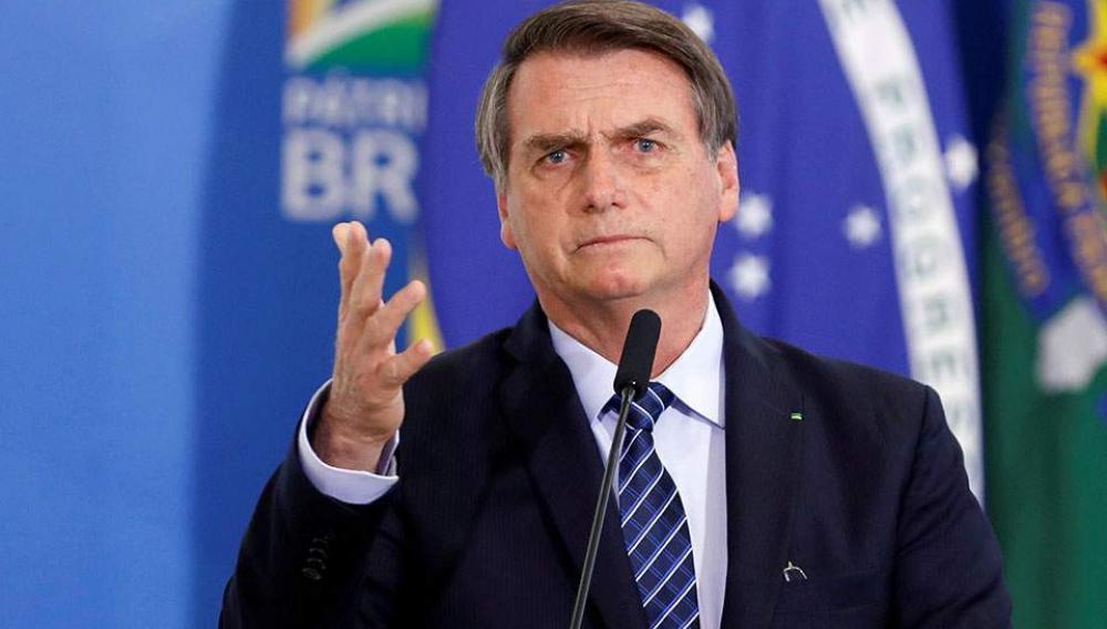 Βραζιλία: Ο Μπολσονάρου απαντά σε ερώτηση δημοσιογράφου με απειλή γροθιάς