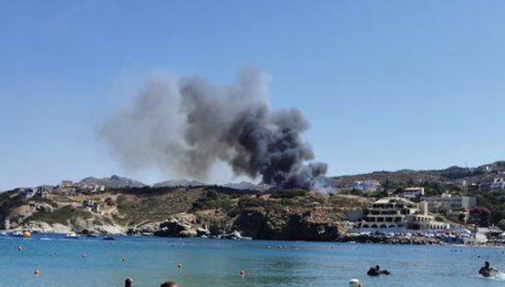 Ηράκλειο: Οι φλόγες «έγλειψαν» σπίτια και ένα ξενοδοχείο -Τέθηκε υπό έλεγχο
