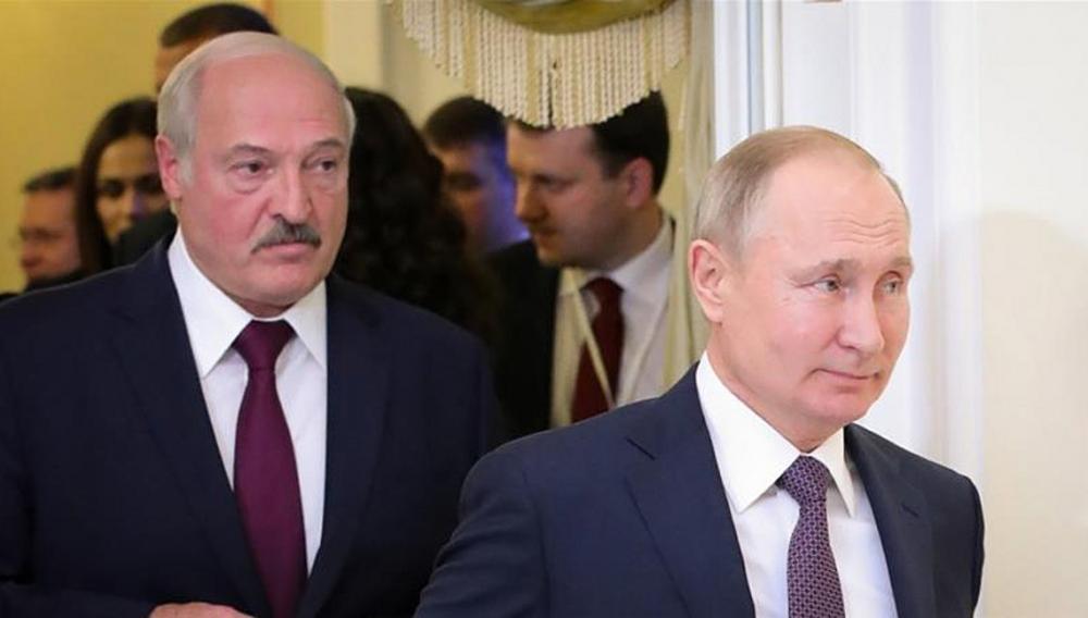 Ο Πούτιν προσκάλεσε στη Μόσχα τον Αλεξάντερ Λουκασένκο