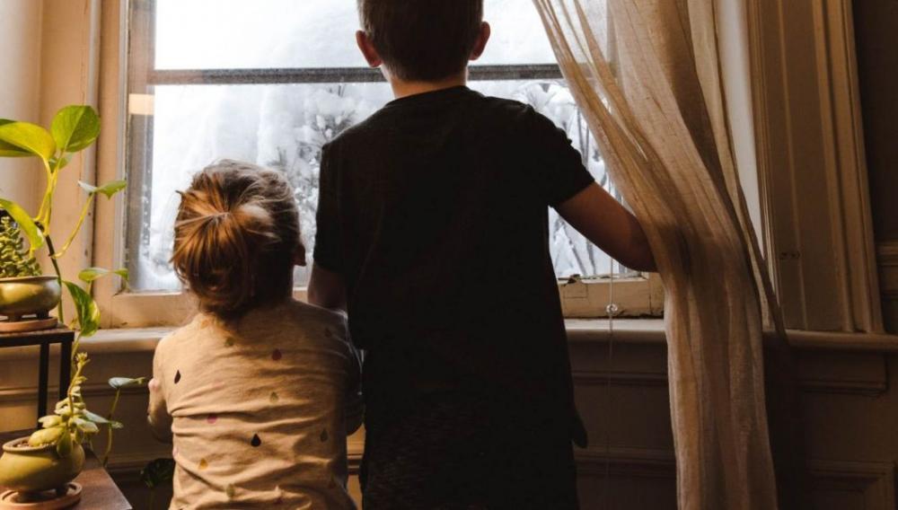 Ηράκλειο: Μητέρα κλείδωσε τα παιδιά στο σπίτι και έφυγε