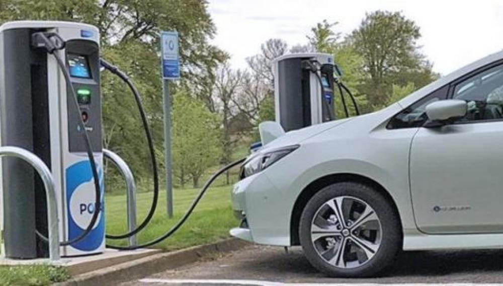Ηλεκτρικά αυτοκίνητα: Μεγαλώνει η έκπτωση και η επιδότηση