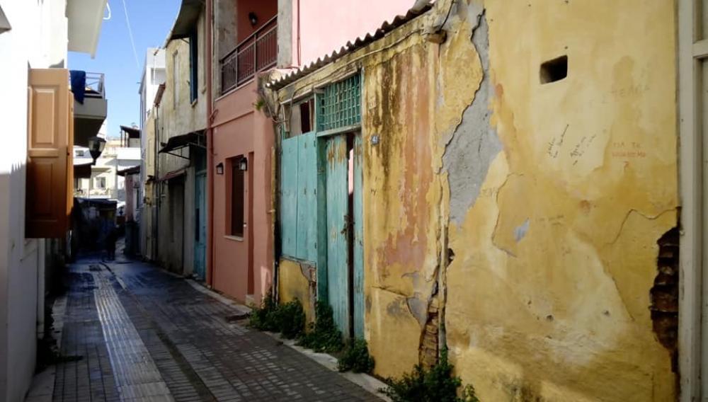 Ηράκλειο: Σπίτια υπό κατάρρευση στην Αγία Τριάδα (φωτογραφίες)
